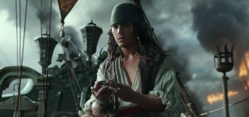 Pirates-of-The-Caribbean-Dead-Men-Tell-No-Tales-Official-Trailer-2-3.jpg